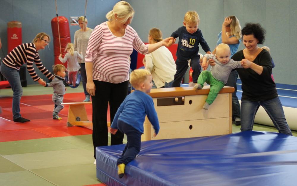 Eltern-Kind-Turnen beim Judo-Club